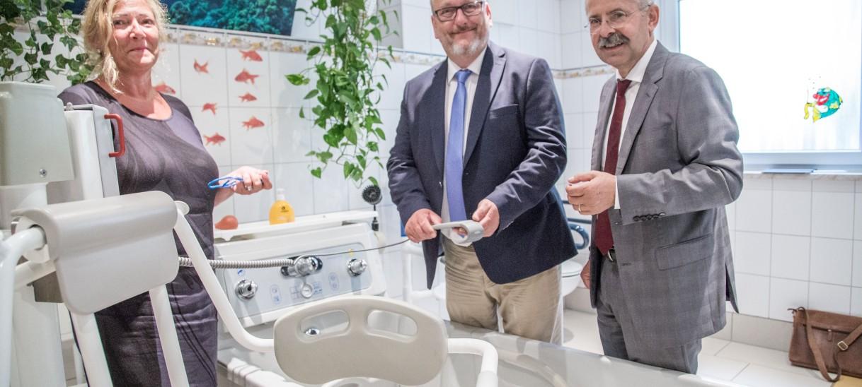 Dr. Jürgen Martens informiert sich über aktuelle Herausforderungen derPflegebranche